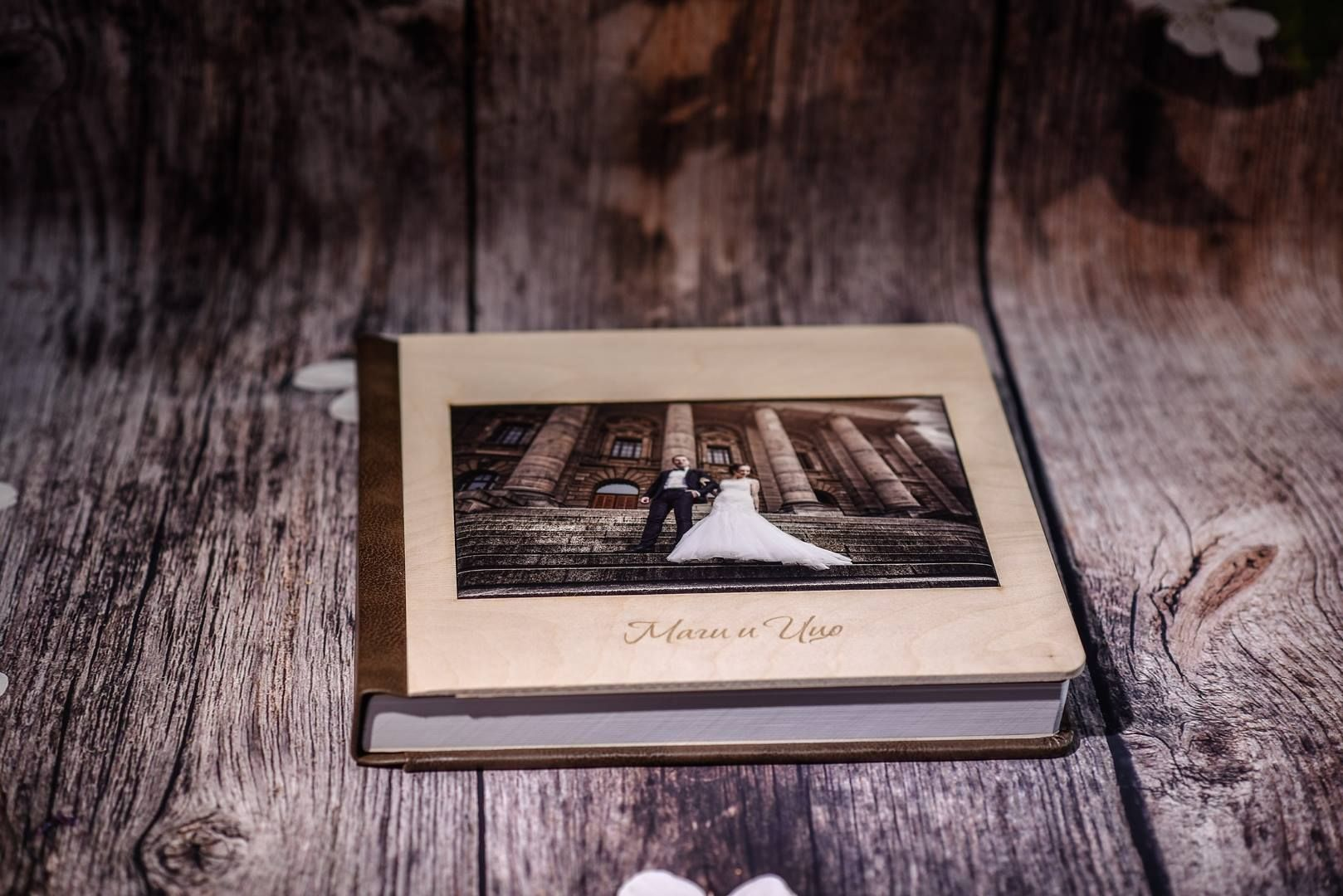 WOODEN COLLECTION ALBUMS