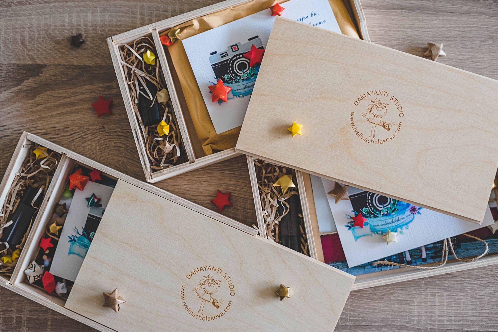 Дървена кутия за USB и снимки 13х18