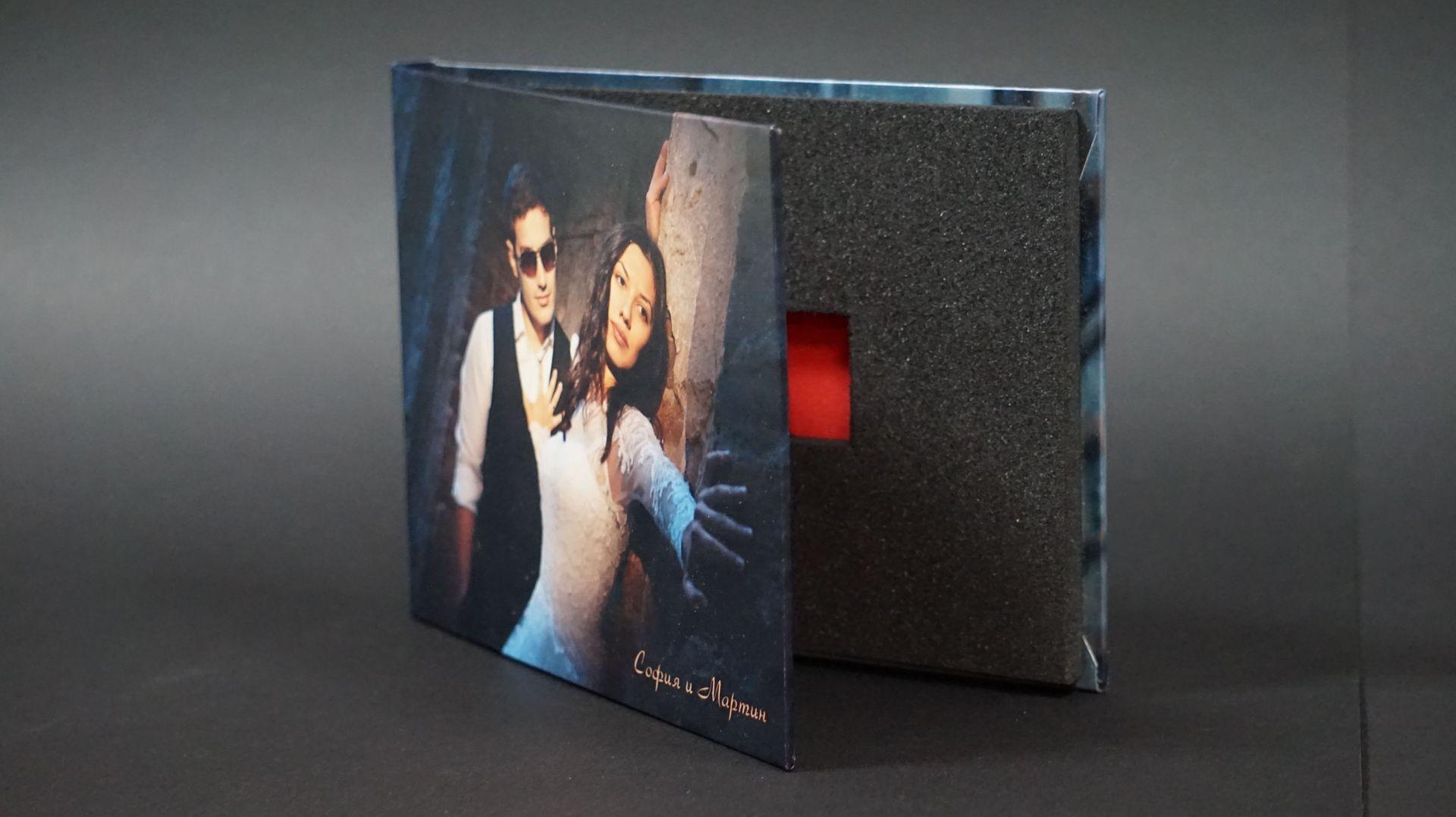 Кутия за USB с персонална снимка