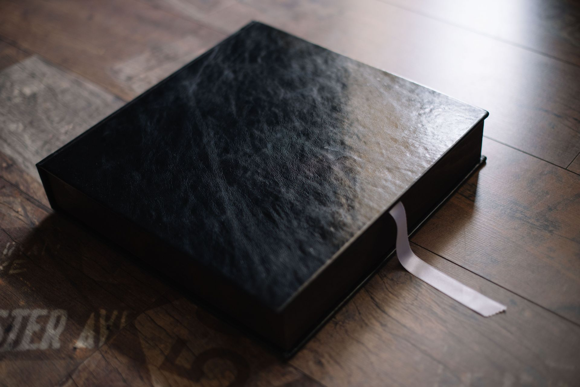 Дървена кутия за албум 30х30